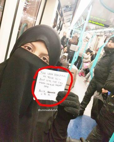 pesan-terindah-untuk-muslimah-bercadar-di-tengah-islamophobia-di-inggris